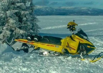 ski-doo snowmobile in deep snow